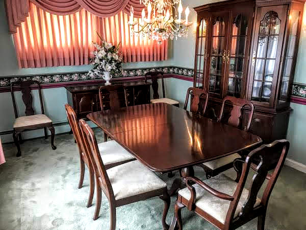 Set Manufactured By Colonial Furniture Company Of Pennsylvania Made Solid Cherry Double Pedestal Dining Room Table With Two Leaf Inserts Sideboard
